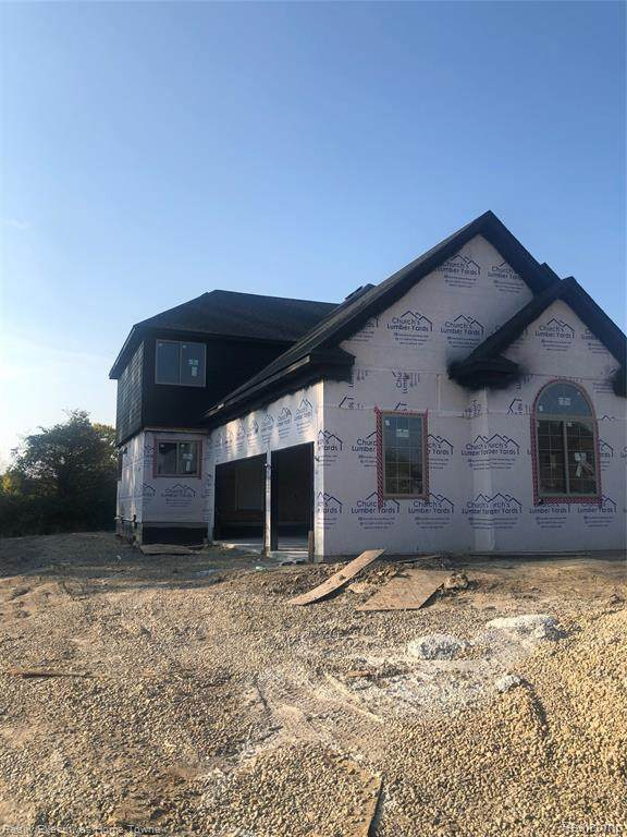 35920 Windridge Drive, New Baltimore, MI 48047 (MLS #R2210028881) :: Berkshire Hathaway HomeServices Snyder & Company, Realtors®