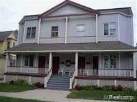 809 Court Street, Port Huron, MI 48060 (MLS #R2210032991) :: Berkshire Hathaway HomeServices Snyder & Company, Realtors®