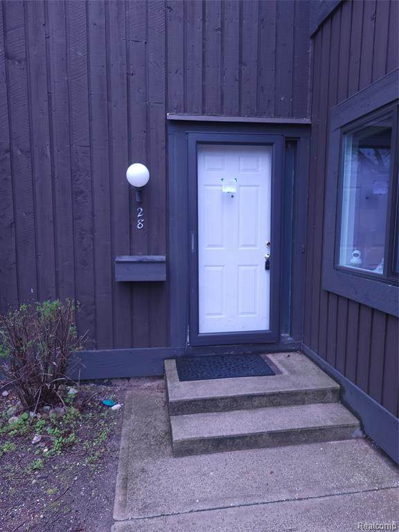 128 Stirling, Kalamazoo, MI 49006 (MLS #R2210034489) :: Berkshire Hathaway HomeServices Snyder & Company, Realtors®