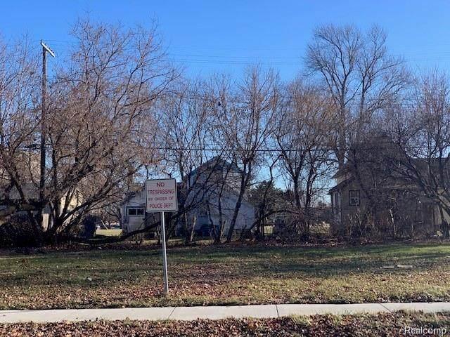 140 Court Street, Mount Clemens, MI 48043 (MLS #R2210041688) :: Berkshire Hathaway HomeServices Snyder & Company, Realtors®