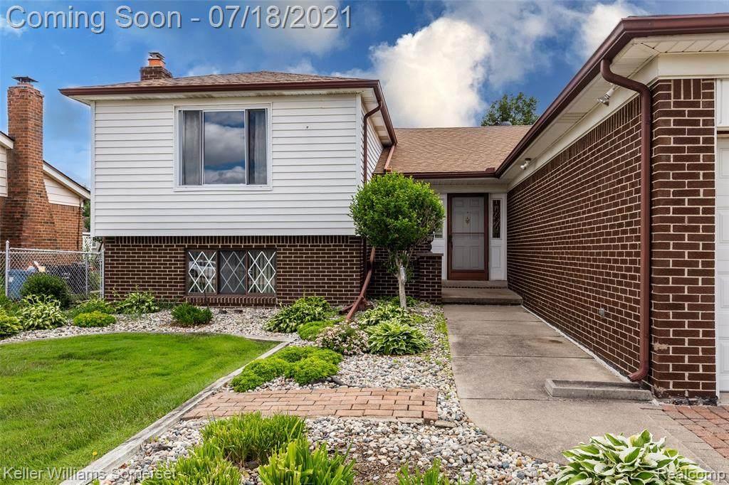 38704 Sutton Drive - Photo 1
