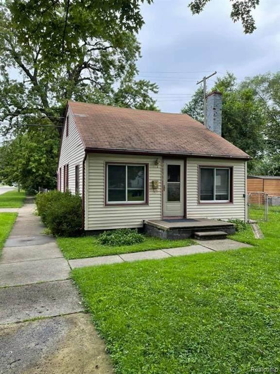 24168 Eton Avenue, Dearborn Heights, MI 48125 (MLS #R2210059317) :: Berkshire Hathaway HomeServices Snyder & Company, Realtors®
