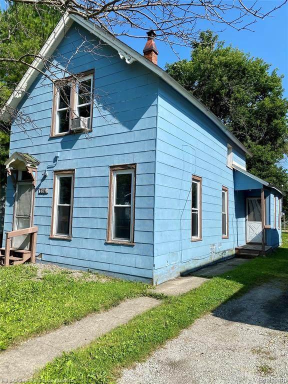 1209 Gillett Street, Port Huron, MI 48060 (MLS #R2210055623) :: Berkshire Hathaway HomeServices Snyder & Company, Realtors®