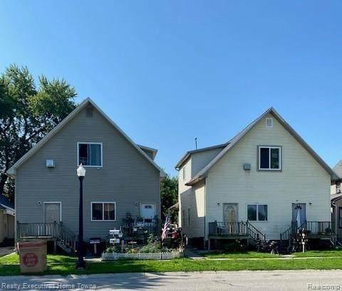 924 White Street, Port Huron, MI 48060 (MLS #R2210059847) :: Berkshire Hathaway HomeServices Snyder & Company, Realtors®