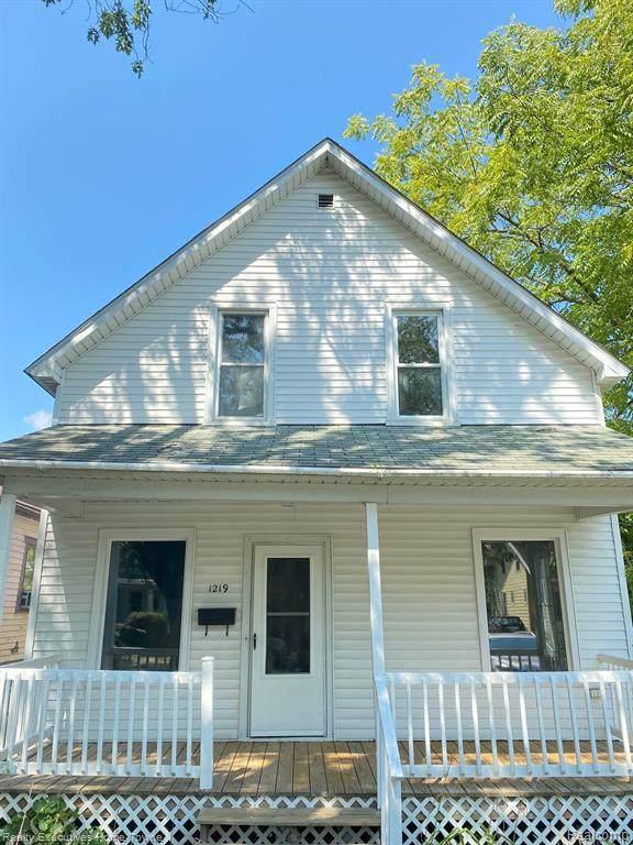 1219 Pine Street, Port Huron, MI 48060 (MLS #R2210067769) :: Berkshire Hathaway HomeServices Snyder & Company, Realtors®