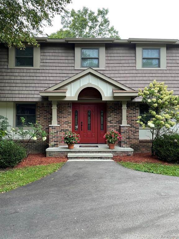 200 W Maryknoll Road, Rochester Hills, MI 48309 (MLS #R2210074521) :: Berkshire Hathaway HomeServices Snyder & Company, Realtors®