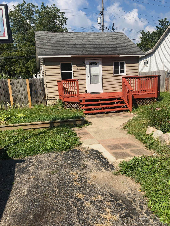 124 Calvert Avenue - Photo 1