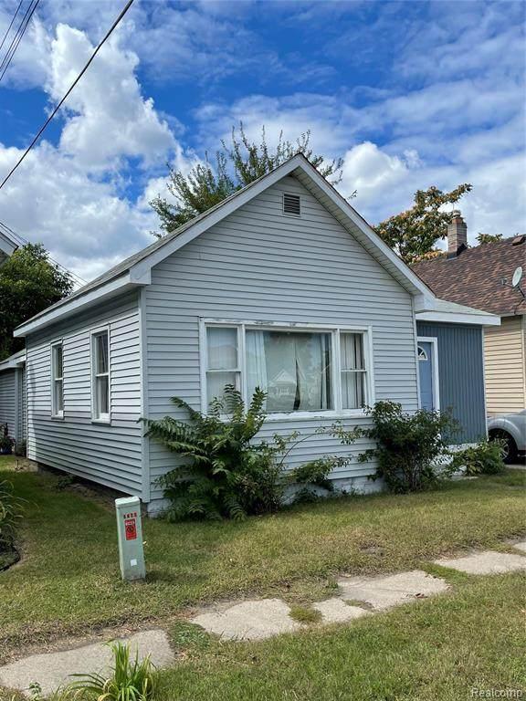 1611 8th Street, Port Huron, MI 48060 (MLS #R2210076125) :: Berkshire Hathaway HomeServices Snyder & Company, Realtors®