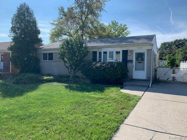 28227 Florence Street, Saint Clair Shores, MI 48081 (MLS #R2210080733) :: Berkshire Hathaway HomeServices Snyder & Company, Realtors®