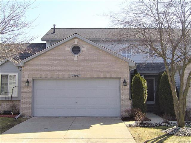 21937 S Quail Ridge Drive S #3, Brownstown, MI 48193 (MLS #R217020099) :: The Toth Team