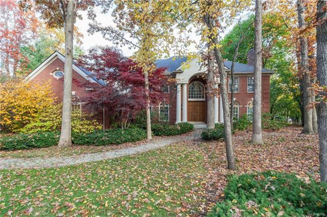 2499 Heronwood, Bloomfield Hills, MI 48302 (MLS #R217102881) :: The Toth Team