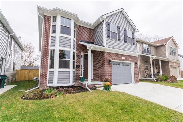 2118 E Lincoln Avenue, Royal Oak, MI 48067 (MLS #R217104580) :: Berkshire Hathaway HomeServices Snyder & Company, Realtors®