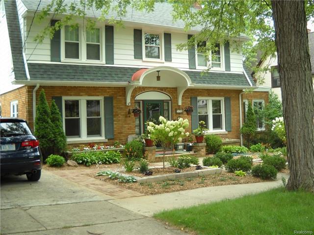730 Brooks Street, Ann Arbor, MI 48103 (MLS #R218013351) :: The Toth Team