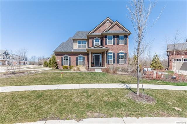 815 Lake Woods Drive, Canton, MI 48188 (MLS #R218032184) :: The Toth Team