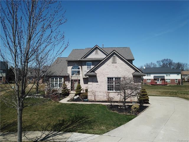 46550 Scotia, Canton, MI 48187 (MLS #R218032976) :: The Toth Team