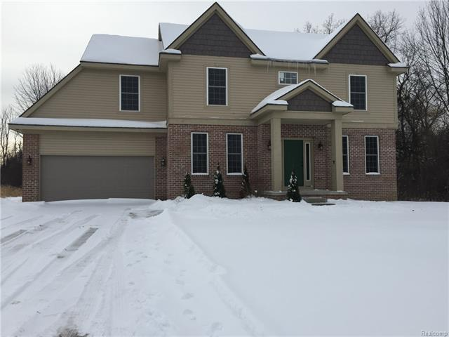 5767 Greer, West Bloomfield, MI 48324 (MLS #R218033419) :: The Toth Team