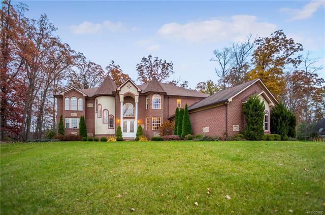 3348 Oak Park Drive, Saline, MI 48176 (MLS #R218033718) :: Berkshire Hathaway HomeServices Snyder & Company, Realtors®