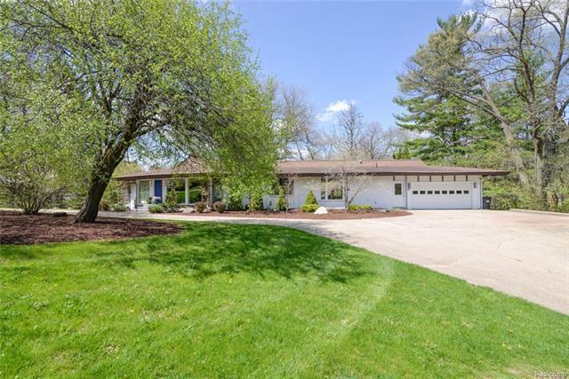 3045 Hunting Valley Drive, Ann Arbor, MI 48104 (MLS #R218043462) :: Berkshire Hathaway HomeServices Snyder & Company, Realtors®