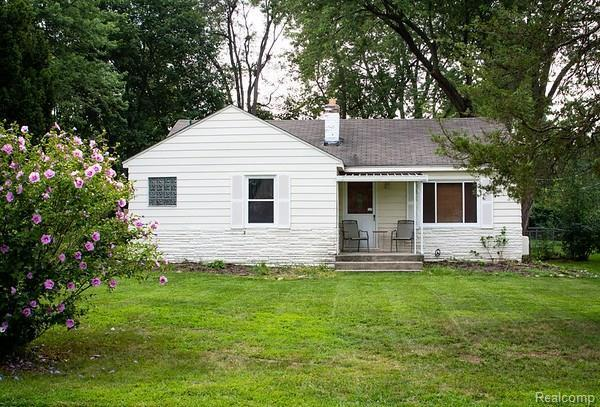 4680 Forest Ave, Waterford, MI 48328 (MLS #R218079296) :: The Toth Team