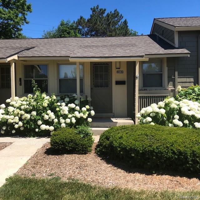 2263 Pittsfield Blvd, Ann Arbor, MI 48104 (MLS #R218080613) :: Berkshire Hathaway HomeServices Snyder & Company, Realtors®