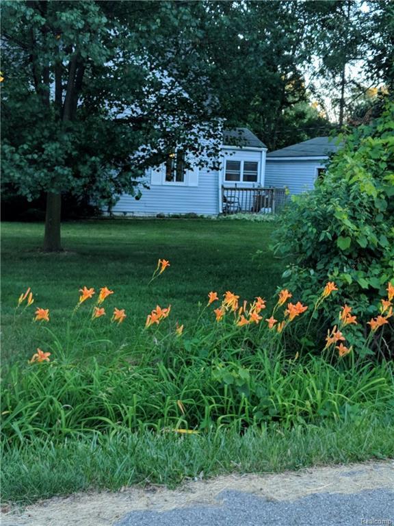9790 Woodland Crt, Ypsilanti, MI 48197 (MLS #R218088636) :: Berkshire Hathaway HomeServices Snyder & Company, Realtors®