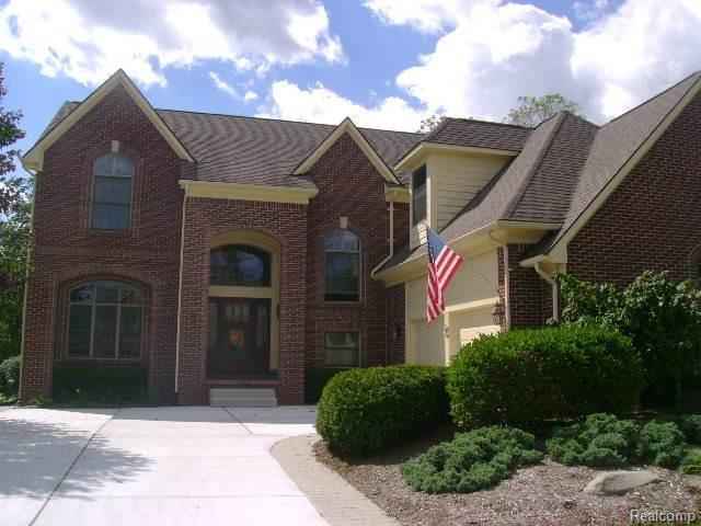 18130 Cascade Dr, Northville, MI 48168 (MLS #R218101898) :: Keller Williams Ann Arbor