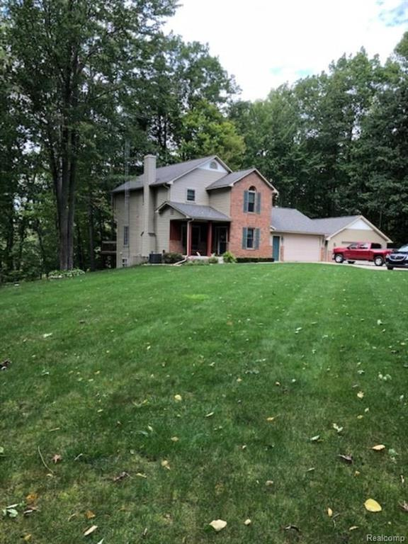 10442 Dogwood Ln, Otisville, MI 48463 (MLS #R218102863) :: The Toth Team