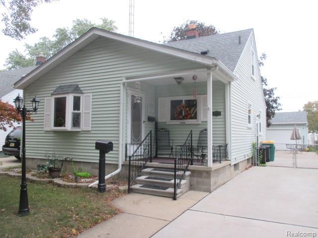 1338 Arbor Ave, Monroe, MI 48162 (MLS #R218103342) :: Keller Williams Ann Arbor