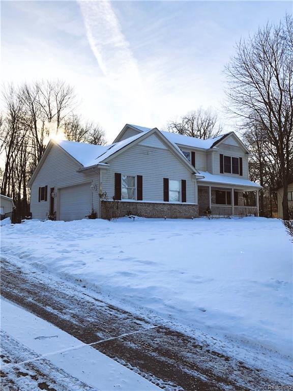10505 King Rd, Davisburg, MI 48350 (MLS #R219010342) :: The Toth Team
