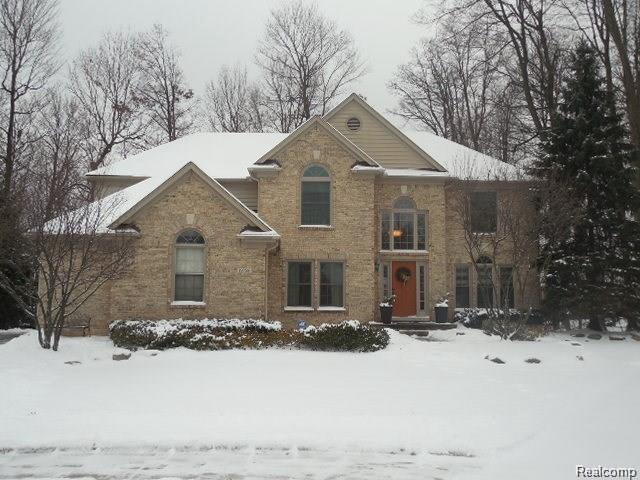 19758 Cambridge Crt, Northville, MI 48167 (MLS #R219012465) :: Keller Williams Ann Arbor