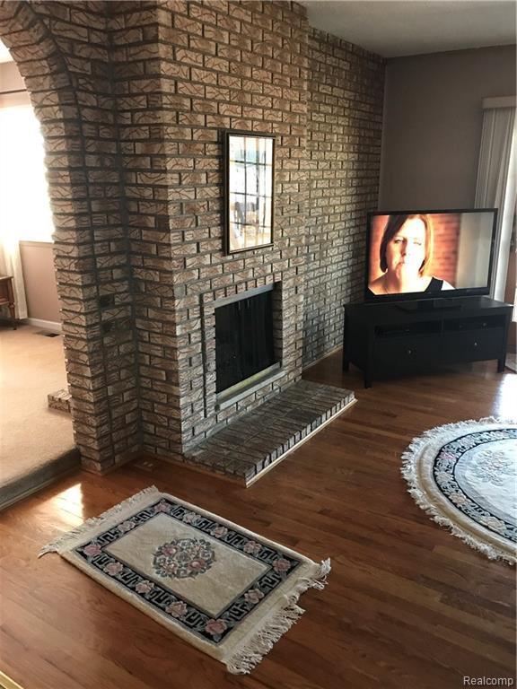 7085 Woonsocket St, Canton, MI 48187 (MLS #R219028245) :: Berkshire Hathaway HomeServices Snyder & Company, Realtors®
