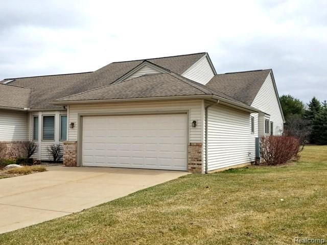 450 Cottonwood Ln, Saline, MI 48176 (MLS #R219034369) :: Tyler Stipe Team | RE/MAX Platinum