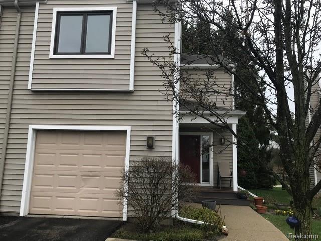 1320 Patricia Ave, Ann Arbor, MI 48103 (MLS #R219035262) :: Tyler Stipe Team | RE/MAX Platinum