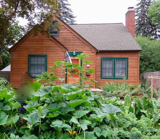 719 Hutchins Ave, Ann Arbor, MI 48103 (MLS #R219041253) :: Berkshire Hathaway HomeServices Snyder & Company, Realtors®