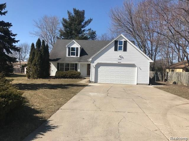 37445 Dodge Park Rd, Sterling Heights, MI 48312 (MLS #R219049003) :: The Toth Team