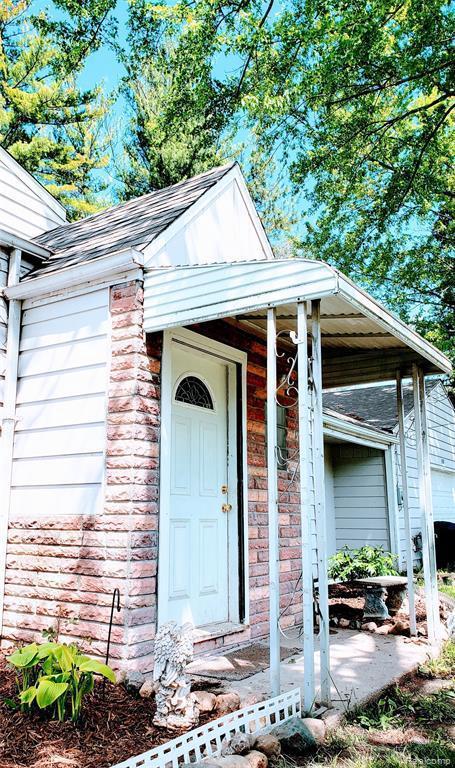 1338 Denies St, Burton, MI 48509 (MLS #R219049240) :: Berkshire Hathaway HomeServices Snyder & Company, Realtors®