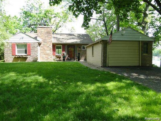 2815 Barkman Dr, Waterford, MI 48329 (MLS #R219057735) :: Berkshire Hathaway HomeServices Snyder & Company, Realtors®