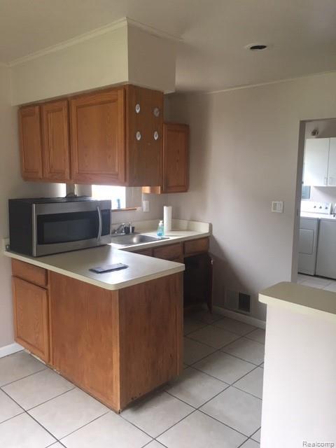 6217 Peck Ave, Warren, MI 48092 (MLS #R219057757) :: Berkshire Hathaway HomeServices Snyder & Company, Realtors®
