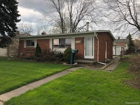 19620 15 Mile Rd, Clinton Township, MI 48035 (MLS #R219058779) :: Berkshire Hathaway HomeServices Snyder & Company, Realtors®