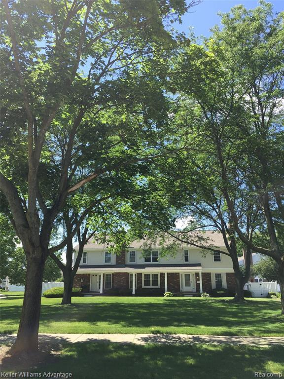 41788 Broquet Dr N, Northville, MI 48167 (MLS #R219061599) :: Berkshire Hathaway HomeServices Snyder & Company, Realtors®