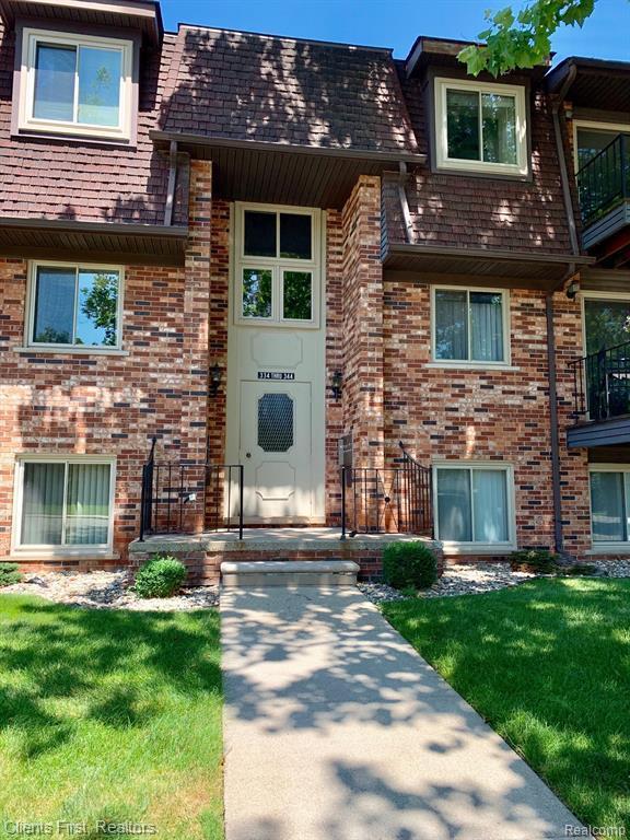 344 Riviera Dr, Saint Clair Shores, MI 48080 (MLS #R219069085) :: Berkshire Hathaway HomeServices Snyder & Company, Realtors®