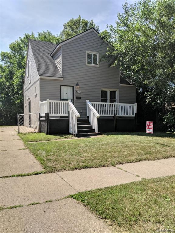 21067 Westview Ave, Ferndale, MI 48220 (MLS #R219070077) :: The Toth Team