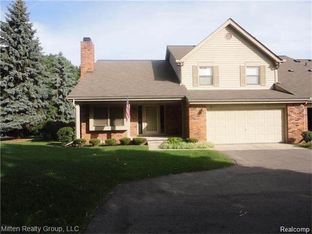 3 Oxford Crt, Dearborn, MI 48124 (MLS #R219070834) :: Berkshire Hathaway HomeServices Snyder & Company, Realtors®