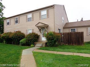23633 N Rockledge, Novi, MI 48375 (MLS #R219072173) :: Berkshire Hathaway HomeServices Snyder & Company, Realtors®