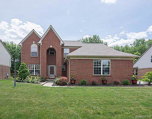 42519 Woodwind Ln, Canton, MI 48188 (MLS #R219087030) :: Tyler Stipe Team | RE/MAX Platinum