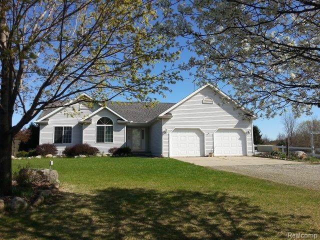 5294 W Oregon Rd, Lapeer, MI 48446 (MLS #R219104541) :: Berkshire Hathaway HomeServices Snyder & Company, Realtors®