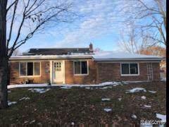 11695 Bora Crt, Sterling Heights, MI 48312 (MLS #R219117009) :: Berkshire Hathaway HomeServices Snyder & Company, Realtors®