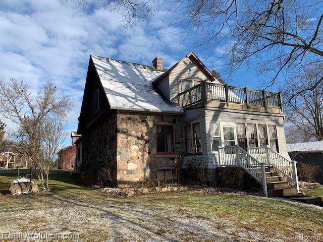 4955 Lum Rd, Attica, MI 48412 (MLS #R219121725) :: Berkshire Hathaway HomeServices Snyder & Company, Realtors®