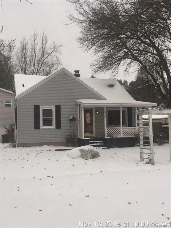 306 S Williams St, Perry, MI 48872 (MLS #R2200024884) :: Berkshire Hathaway HomeServices Snyder & Company, Realtors®