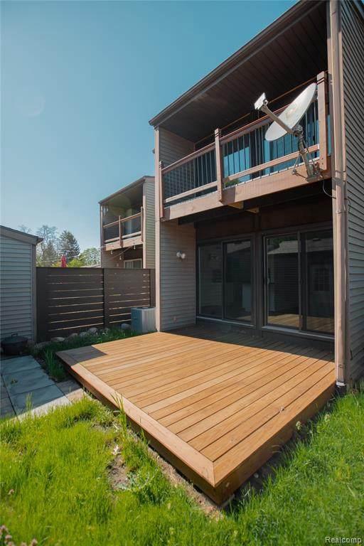 418 W Rockwell St, Fenton, MI 48430 (MLS #R2200035442) :: Berkshire Hathaway HomeServices Snyder & Company, Realtors®